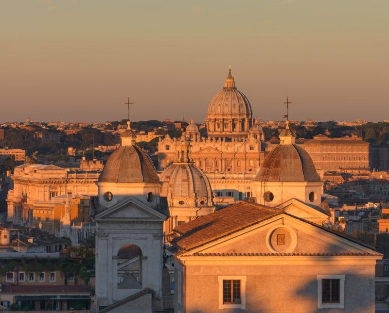Výhled z hotelu Eden na baziliku sv. Petra