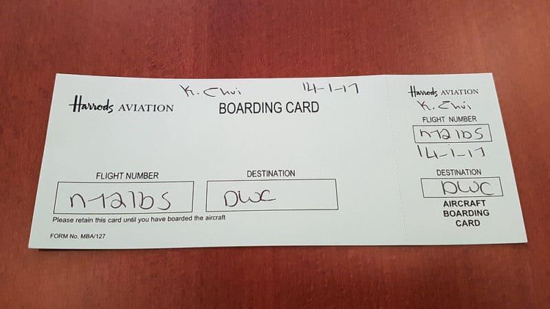 Moje palubní letenka na dubajské letiště Al Maktoum (DWC) s číslem letu (N721BS)