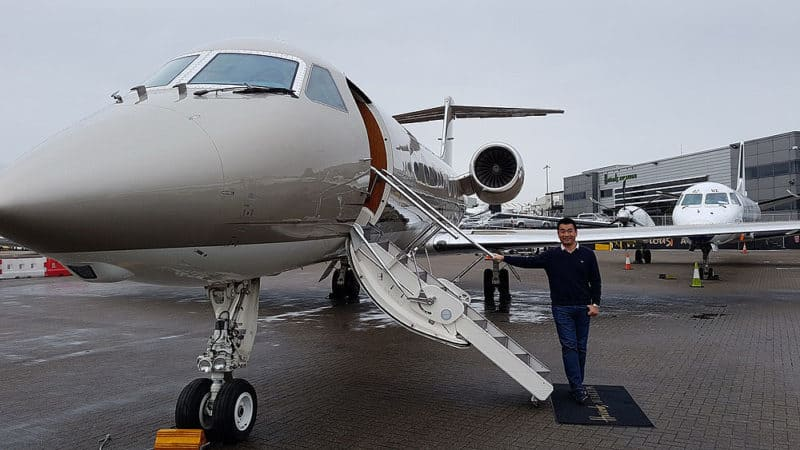 Gulfstream G 400, nástup do letadla