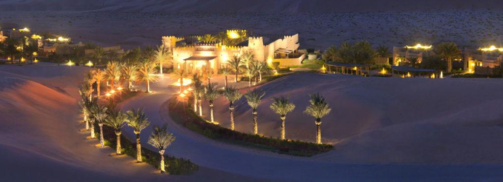 Pouštní Anantara Qasr al Sarab: trošku pohádková pevnost