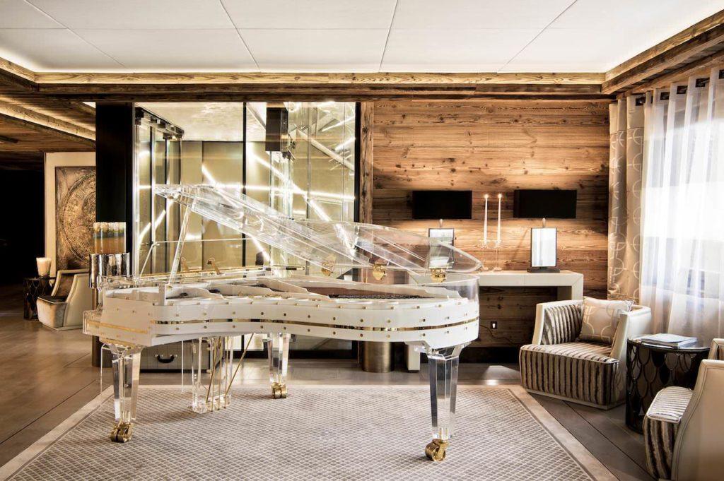 Ultima Gstaad: skleněný klavír umožňuje při hře sledovat mechaniku