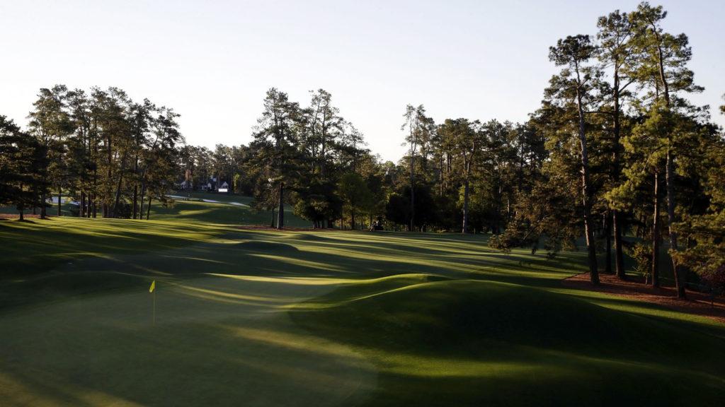 Jamka číslo 8, hřiště Národního golfového klubu v Augustě je pověstné svými vlnami