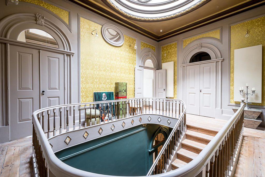 Palácio Fenizia: schodiště se skleněnou kopulí