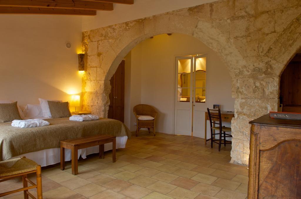 Alcaufar Vell, Menorca: doma vám nikdy nebude vedro