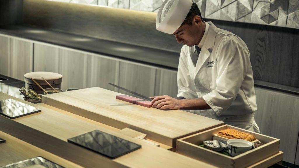 Four Seasons, Kjóto: příprava sushi