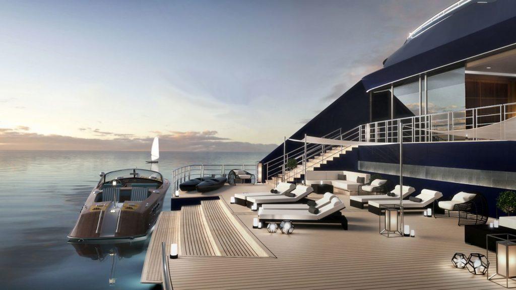 Jachta Ritz-Carlton, marina na zádi
