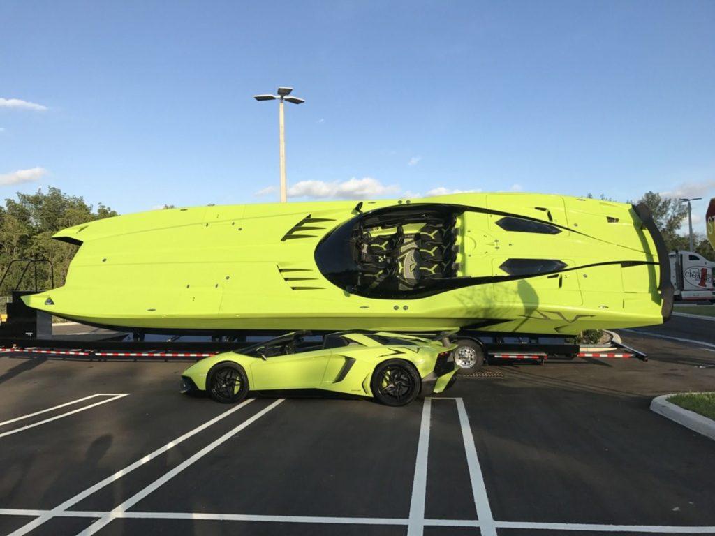 Lamborghini MTI 52 a člun