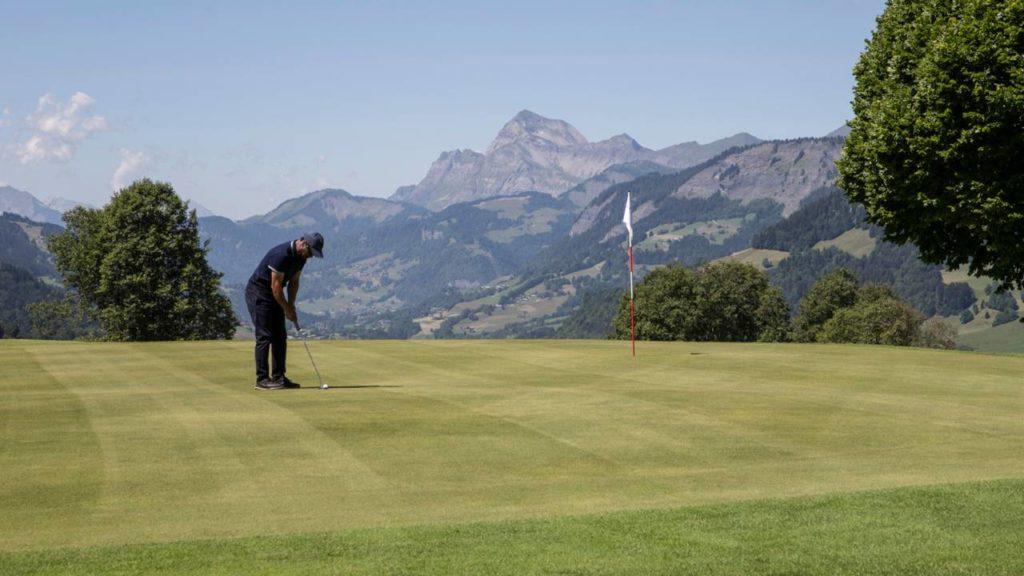 Four Seasons Megève: a v létě si tu zahrajete i golf