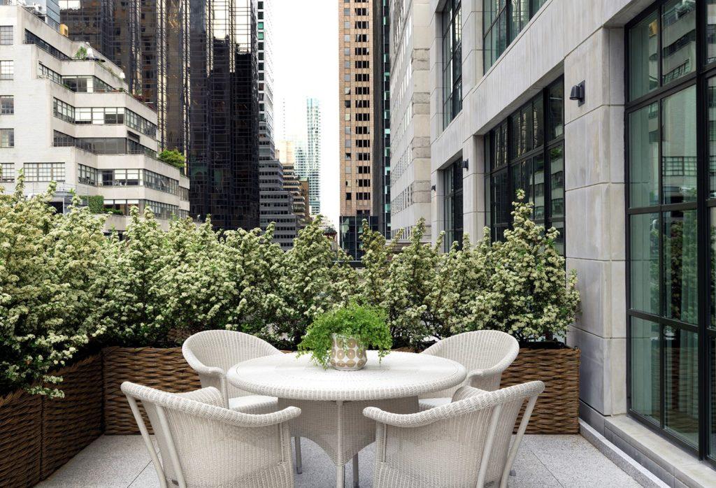 The Whitby Hotel, NY: terasa mezi mrakodrapy