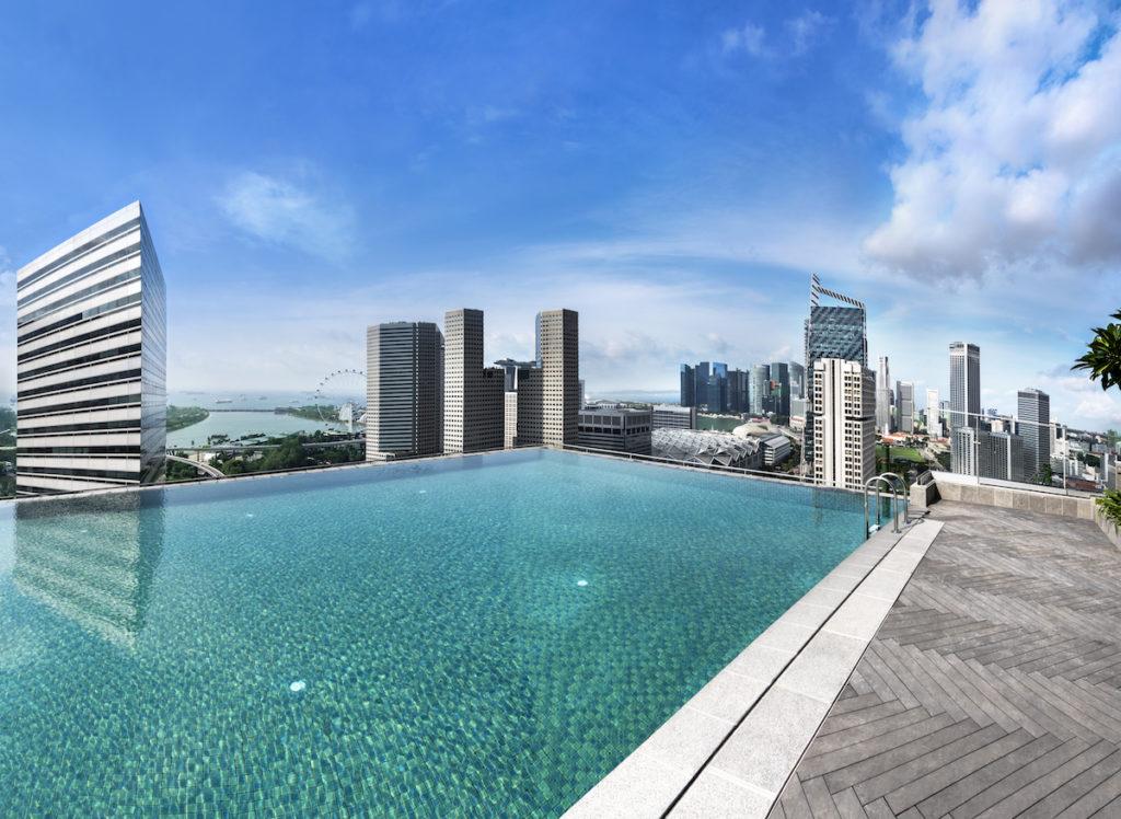 Andaz, Singapur: bazén s výhledem