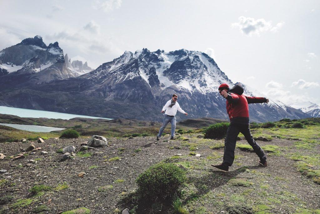 Patagonie, Chile: Miroslav Motejlek a Petr Skočdopole se opírají o vítr