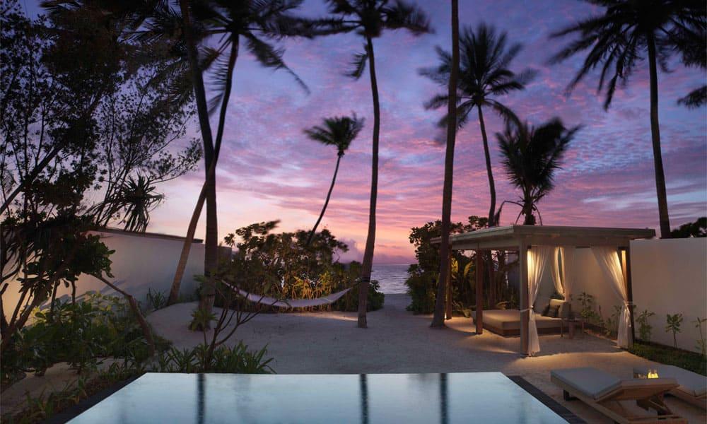 Sirru Fen Fushi, Maledivy: plážová vila s výhledem na západ
