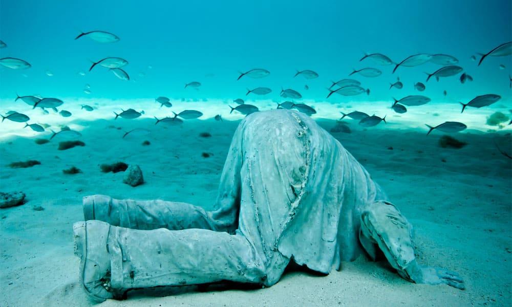 Sirru Fen Fushi, Maledivy:Jason de Caires Taylor – Bankéř; podmořská galerie