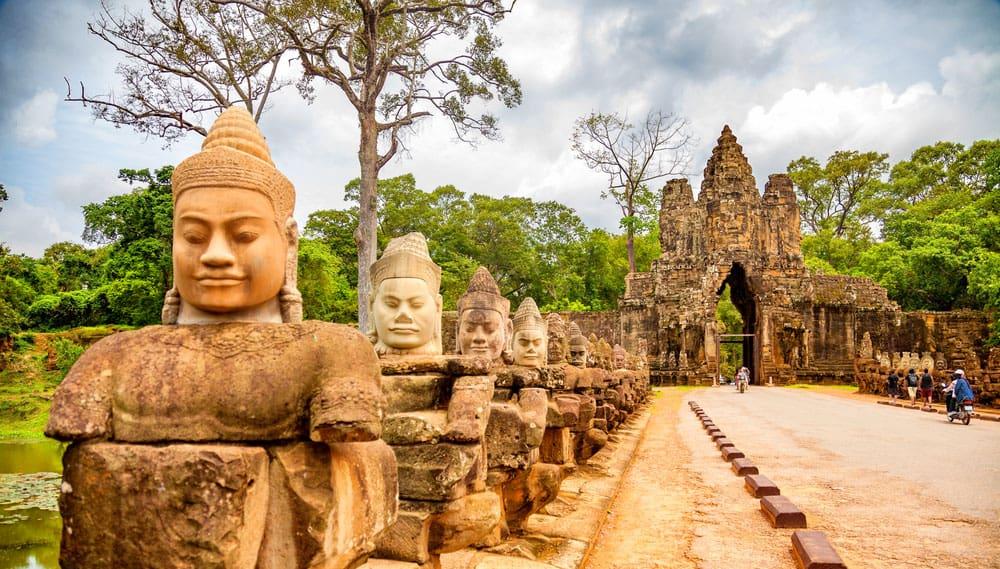 Brána chrámu Angkor Wat
