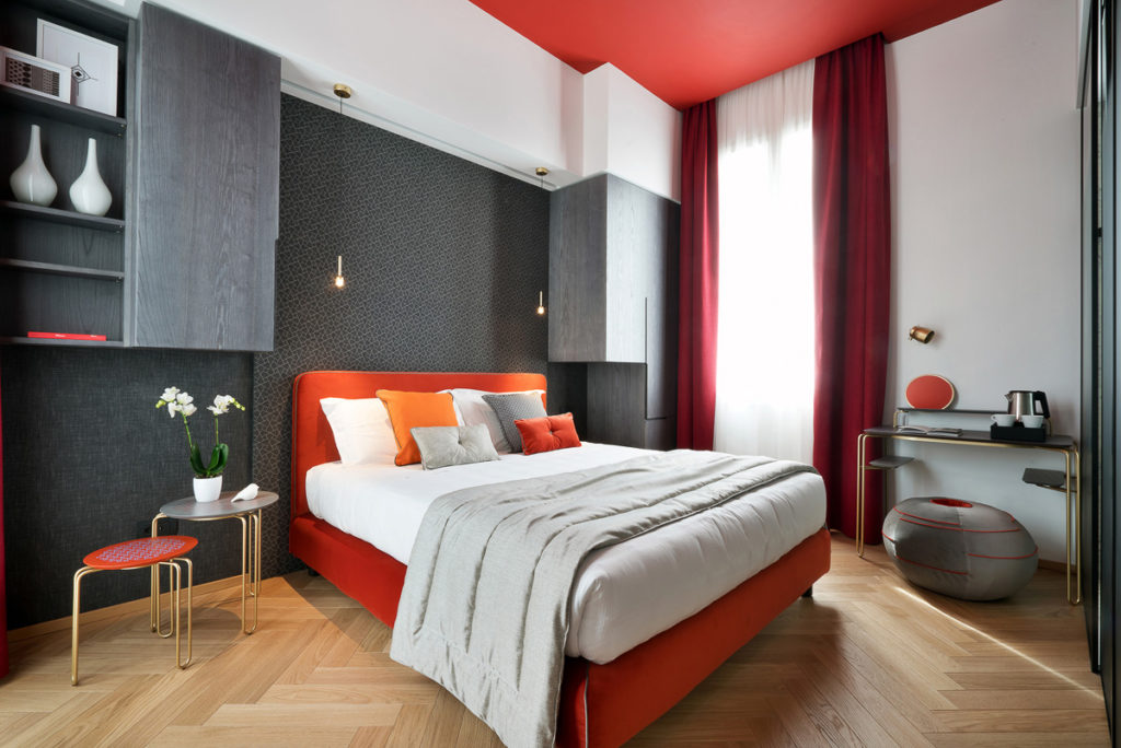 Conti Guest House, Milán