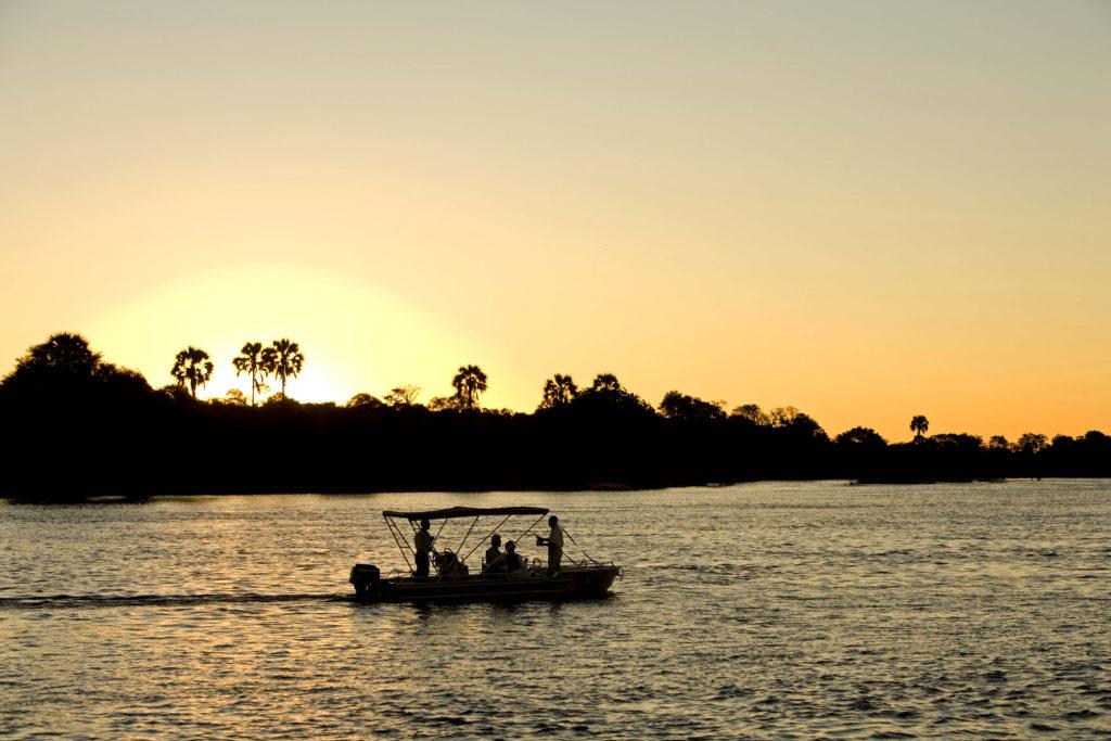 Sanctuary Sussi & Chuma, Zambie: plavba po řece