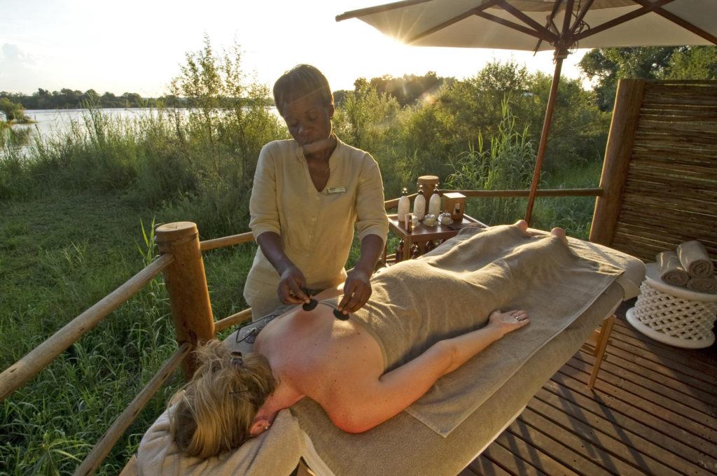 Sanctuary Sussi & Chuma, Zambie: i při masáži zůstáváte součástí prostředí