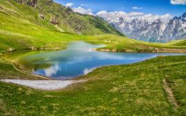 Jezero Koruldi ve Svanetii