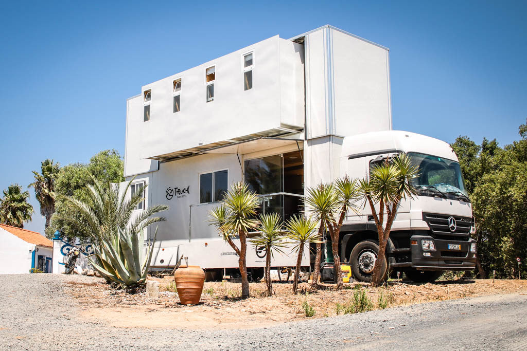 Truck Surf, Portugalsko, Maroko: předělaný Mercedes