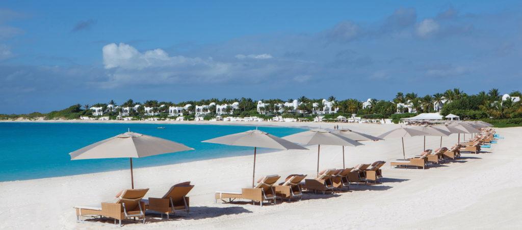 Belmond Cap Juluca, Anguilla: ke každému pokoji patří i jeden plně vybavený plážový set s obsluhou