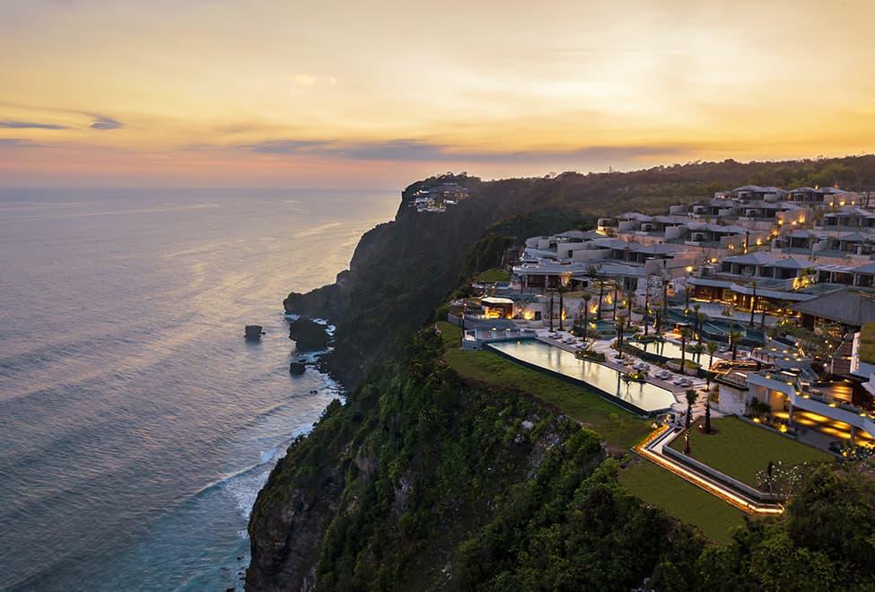 Six Senses Uluwatu, Bali: luxus nad útesem
