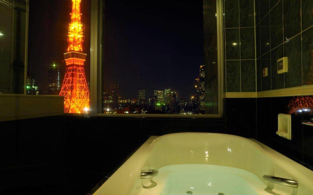 Prince Park Tower, Tokio: výhledy i z koupelny