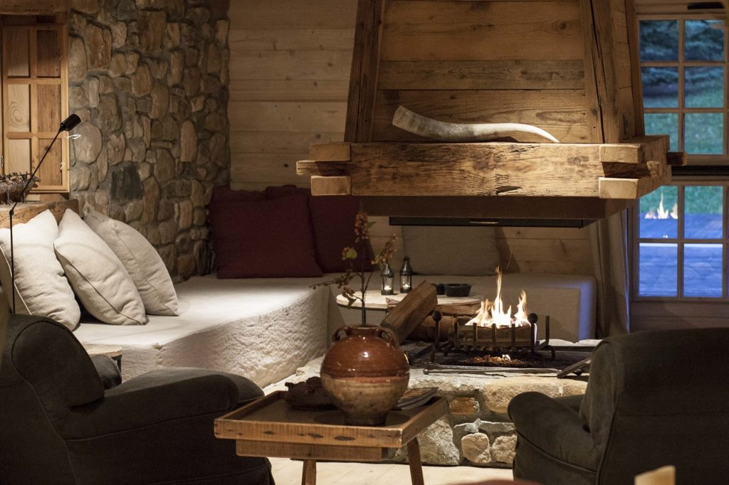 Le Cerf Amoureux, Savojské Alpy: bar