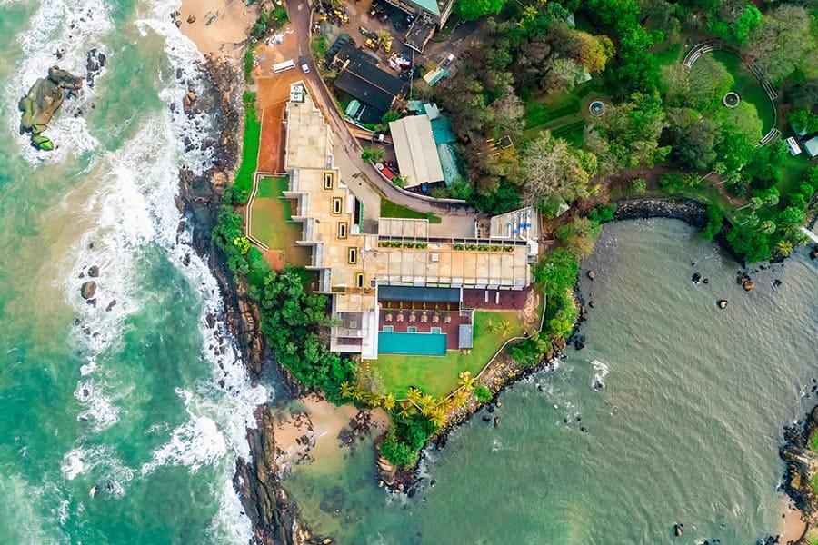 Le Grand, Galle, Srí Lanka: hotel na ostrohu naproti hradbám