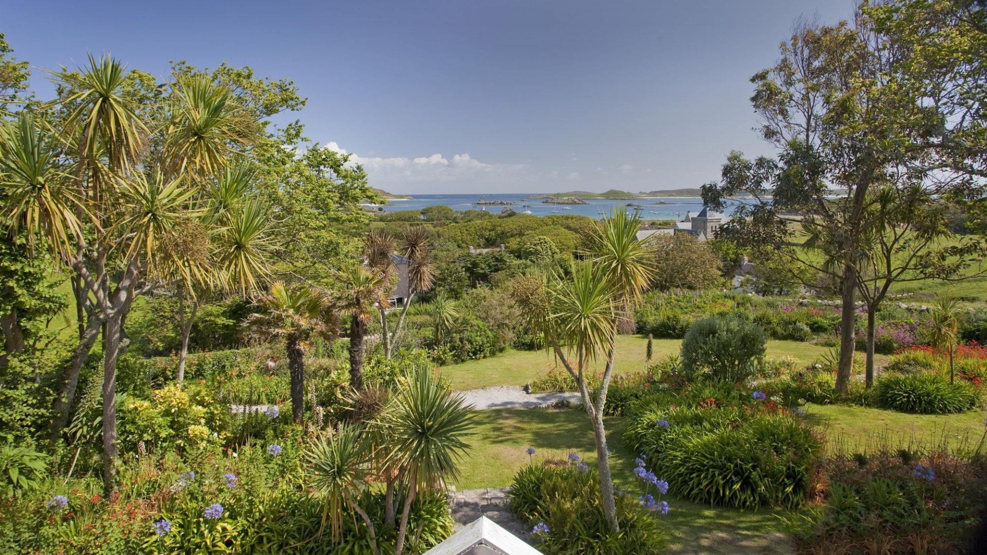 Tresco Island: Dolphine House