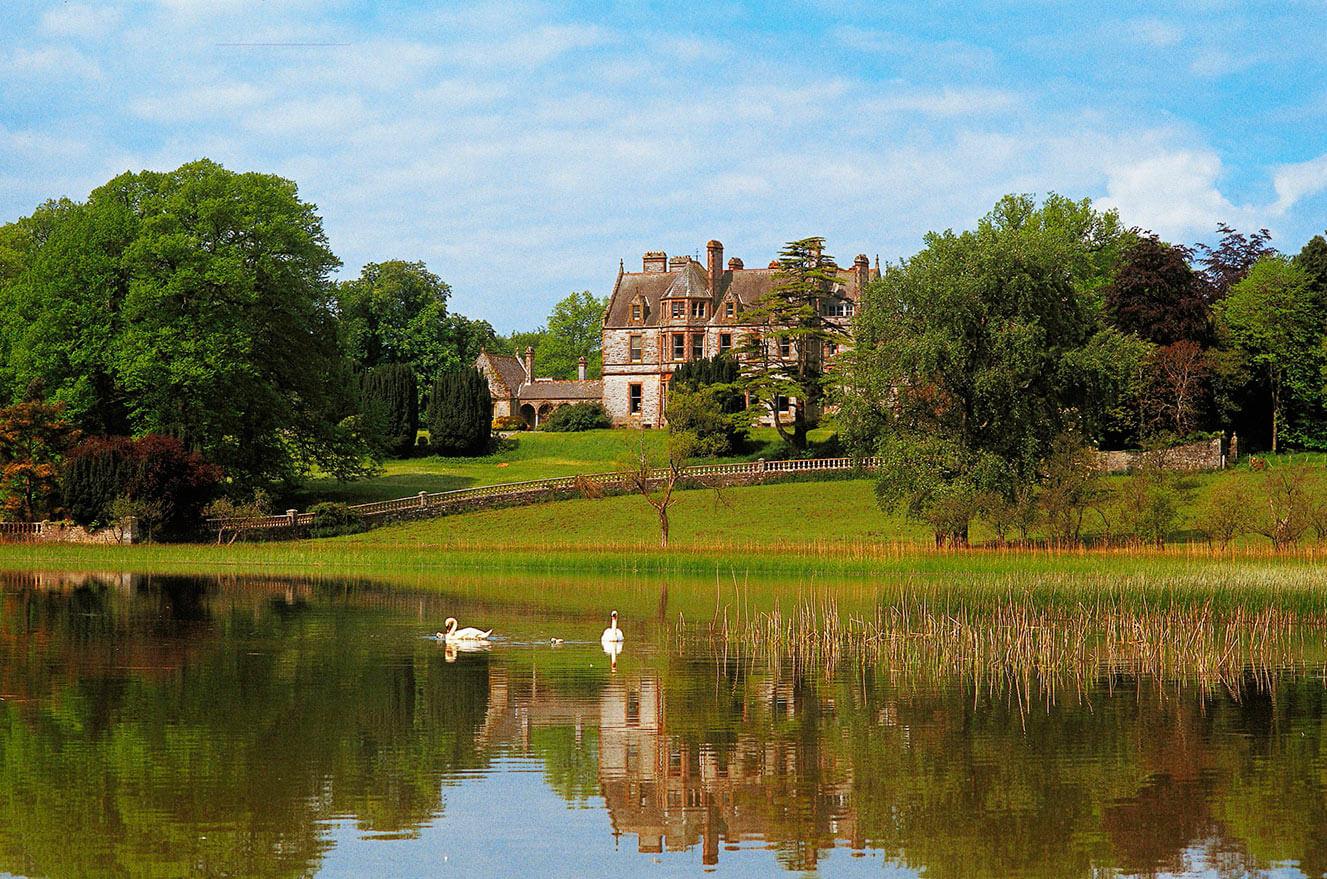 Leslie Estate, Irsko